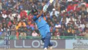 VIDEO : वनडे में डबल सेंचुरी के सरताज रोहित शर्मा, तीसरी बार 200 पार