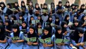हज सब्सिडी रोक कर सरकार मुस्लिम लड़कियों को पहुंचाएगी फायदा, जानें कैसे...