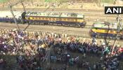 मुंबई 'रेल रोको आंदोलन': माटुंगा से एक ट्रैक पर ट्रेन की आवाजाही शुरू
