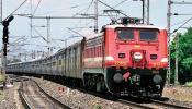 बड़ी खुशखबरी, 1 अप्रैल से सस्ता होगा रेलवे का सफर, और भी चीजों पर घटेंगे दाम