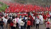 भोपाल: 185 किमी पैदल चलकर CM शिवराज से मिलने पहुंचे हजारों किसान, पैरों में पड़े छाले