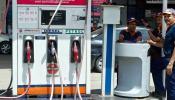 बड़ा झटका: पेट्रोल 4 रुपए, डीजल 6 रुपए हुआ महंगा, इस साल बढ़े सबसे ज्यादा दाम