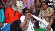 दिल्ली: 10 दिन बाद स्वाति मालीवाल ने तोड़ा अनशन, कहा-शुक्रिया PM मोदी