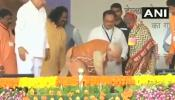 PM के हाथों चरण पादुका पहनने वाली रत्नी बाई बोलीं, चप्पल से ज्यादा गैस सिलेंडर की जरूरत