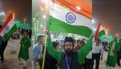 हिन्दुस्तानियों ने इराक के कर्बला पर लहराया तिरंगा, अवाम की सलामती की मांगी दुआ
