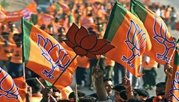 महाराष्ट्र में शिवसेना के सहयोग के बिना बीजेपी बना सकती है सरकार: सूत्र