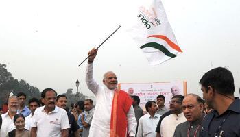 पटेल की जयंती पर दौड़ा देश, `रन फॉर यूनिटी` के लिए राजपथ पर PM मोदी भी दौड़े