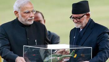 भारत-नेपाल के बीच 9 समझौतों पर हस्ताक्षर; पीएम मोदी ने ट्रॉमा सेंटर, बस सेवा को दिखाई हरी झंडी