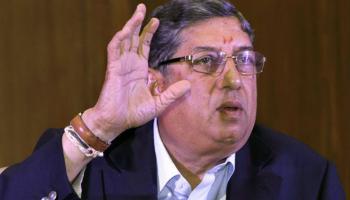 IPL स्पॉट फिक्सिंग: सुप्रीम कोर्ट का सख्त रूख, श्रीनिवासन के IPL से हटने पर हितों का टकराव नहीं होगा