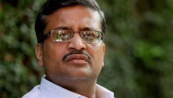 हरियाणा में बीजेपी सरकार ने IAS अधिकारी अशोक खेमका का किया तबादला