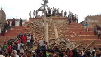 LIVE : भूकंप से नेपाल में भयंकर तबाही; अब तक 550 से ज्यादा मौतें, भारत में 20 के मारे जाने की खबर