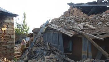 LIVE : नेपाल में 5000 से अधिक हुई मृतकों की तादाद, भूकंप से 80 लाख से ज्यादा लोग प्रभावित