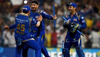 फाइनल में सुपरकिंग्स को हराकर मुंबई इंडियन्स बना आईपीएल-8 का चैम्पियन