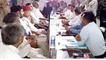 राजस्थान में गुर्जर आन्दोलन समाप्त, वसुंधरा सरकार 5 फीसदी आरक्षण देने को तैयार