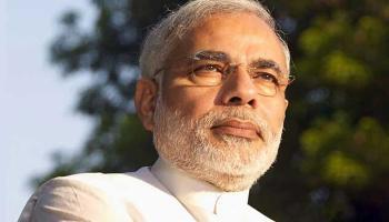पीएम मोदी का कांग्रेस पर पलटवार, `सूटकेस' से अधिक स्वीकार्य है 'सूट-बूट' की सरकार