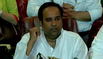 मैं पार्टी की आंतरिक राजनीति का शिकार बना : आसिम अहमद खान