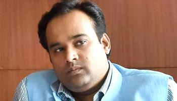 AAP विधायक आसिम अहमद का आरोप कहा `दिल्ली के मुख्यमंत्री अरविंद केजरीवाल से मेरी जान को खतरा`