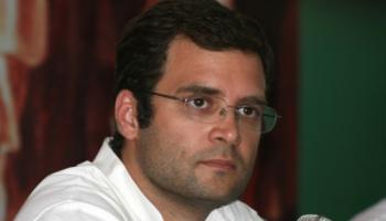 राहुल ने ली चुटकी, पूछा - क्या दलितों और पिछड़ों को राष्ट्रवादी नहीं मानते हैं पीएम मोदी?