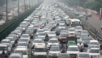 भारी बारिश ने रोकी Delhi/NCR की रफ्तार