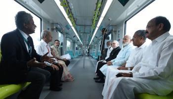 कोच्चि मेट्रो में पीएम मोदी का सफर