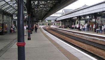 ये हैं देश के 10 सबसे साफ-सुथरे रेलवे स्टेशन