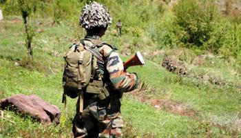 जम्मू-कश्मीर: आतंकियों ने 2 महिलाओं को गोली मारी-1 की मौत, PAK ने किया सीजफायर उल्लंघन