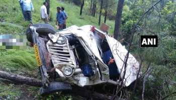 उत्तराखंड : टिहरी में खाई में गिरा सवारी वाहन, दो की मौत, 10 घायल