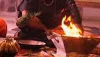 छतरपुरः सांप के काटने पर युवक को अस्पताल लेकर पहुंचे परिजन, वहीं कराने लगे झाड़-फूंक