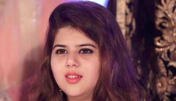 अलीगढ़ एनकाउंटर: परिजनों से मिलने पहुंची पूर्व SP नेता पंखुड़ी पाठक पर हमला
