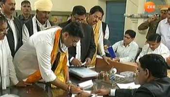 राजस्थान: रोड शो के बाद सचिन पायलट ने भरा नामांकन, उमड़ा समर्थकों का हुजूम