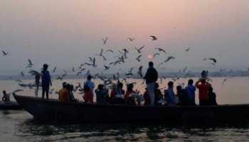 सात समंदर पार से वाराणसी आए खास मेहमान, लोगों में बड़ा सेल्फी का क्रेज