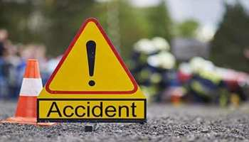 बिहार : भीषण सड़क हादसे में कार के उड़े परखच्चे, चार लोगों की मौत