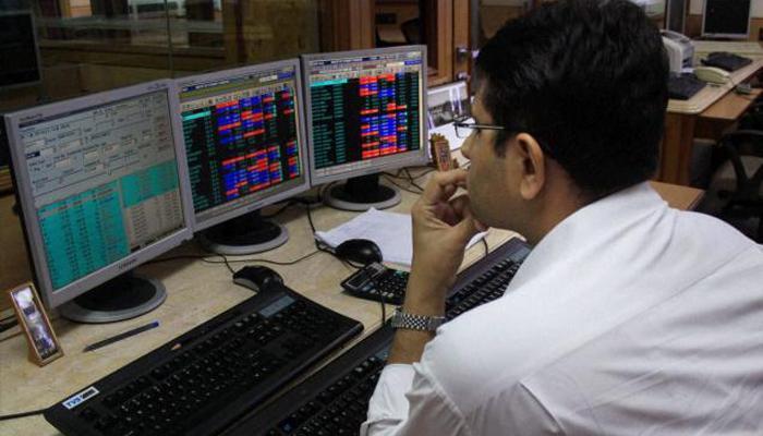 शेयर बाजारों को रास नहीं आया मोदी सरकार का पहला बजट, सेंसेक्स 72 अंक टूटा