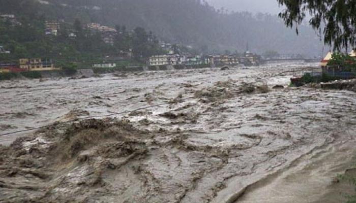 उत्तराखंड: रुद्रप्रयाग में सरस्वती नदी पर बना पुल बहा, 164 श्रद्धालु फंसे