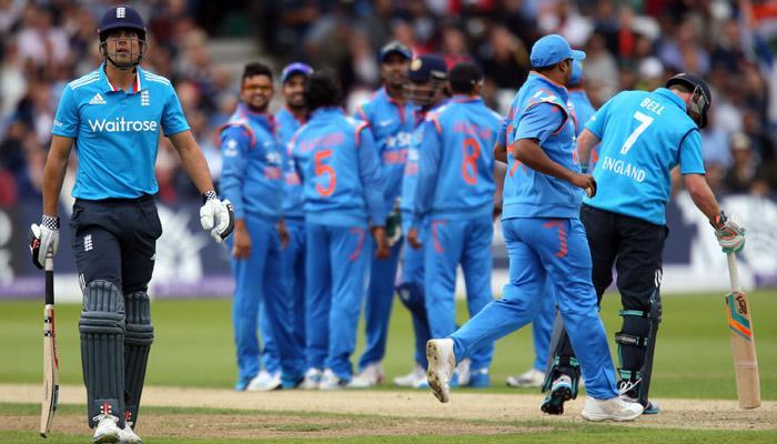 लगातार दो वनडे हारने के बाद बोले एलेस्टर कुक, 'व्यक्तिगत जिम्मेदारी उठाने की जरूरत है'
