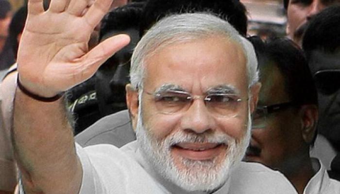 बाढ़ पीड़ितों के साथ दीवाली मनाने जम्मू-कश्मीर पहुंचे PM मोदी