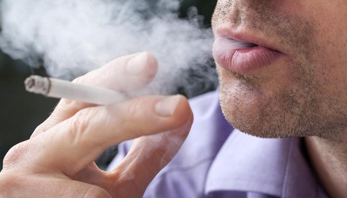 योग करें, धूम्रपान से छुटकारा पाएं