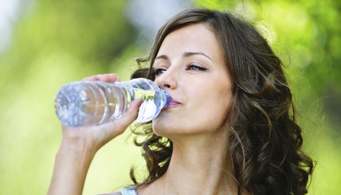 जानिए, खाना खाने के तुरंत बाद पानी क्यों नहीं पीना चाहिए?