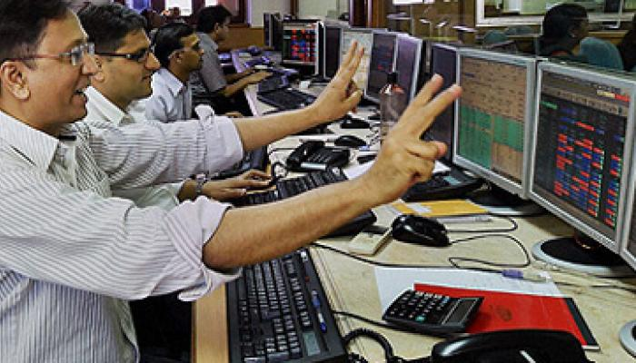 शेयर बाजार में लगातार 5वें दिन तेजी, सेंसेक्स, निफ्टी रिकॉर्ड उंचाई पर
