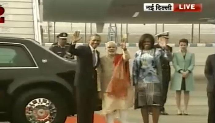 LIVE: अमेरिकी राष्ट्रपति बराक ओबामा भारत पहुंचे, पीएम नरेंद्र मोदी ने गले लगाकर किया स्वागत