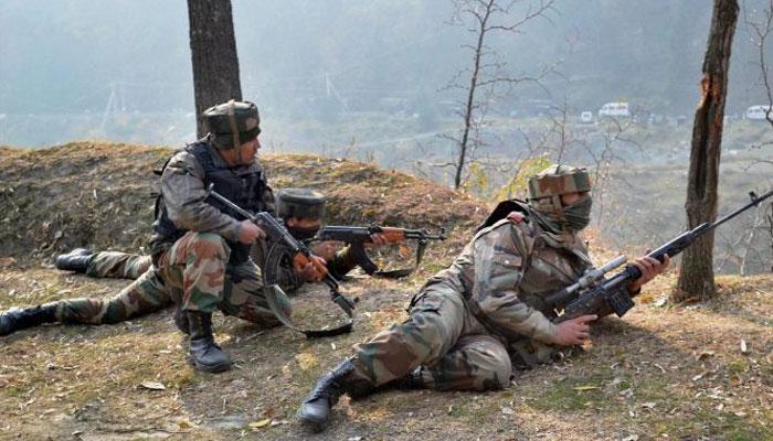 जम्मू-कश्मीर: मुठभेड़ में सैन्य अधिकारी एवं पुलिसकर्मी शहीद, दो आतंकी भी मारे गए