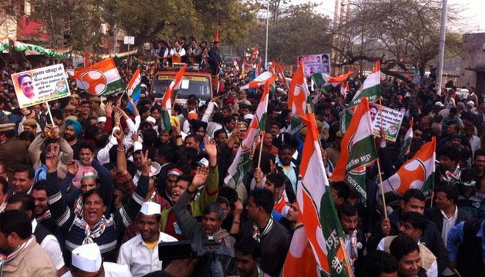 दिल्ली के चुनावी दंगल में उतरे राहुल गांधी, पीएम मोदी पर साधा निशाना