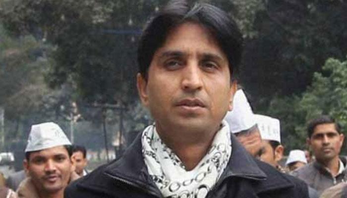 AAP महिला कार्यकर्ता का आरोप- कुमार विश्वास ने मुझे धमकी दी, 'संतोष कोली की तरह मारी जाओगी'