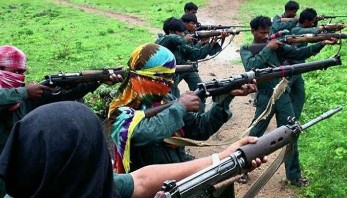 संदिग्ध माआवोदियों ने लातेहार में रेल ट्रैक को बम से उड़ाया, पटरी से उतरी पलामू एक्सप्रेस