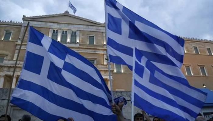 जनमत संग्रह में अंतरराष्ट्रीय दानदाताओं की शर्तें ठुकराने के बाद यूनान अनिश्चित भविष्य की ओर