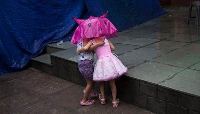 दिल्ली-एनसीआर में झमाझम बारिश से मौसम खुशगवार, लेकिन कई जगहों पर लगा भारी जाम
