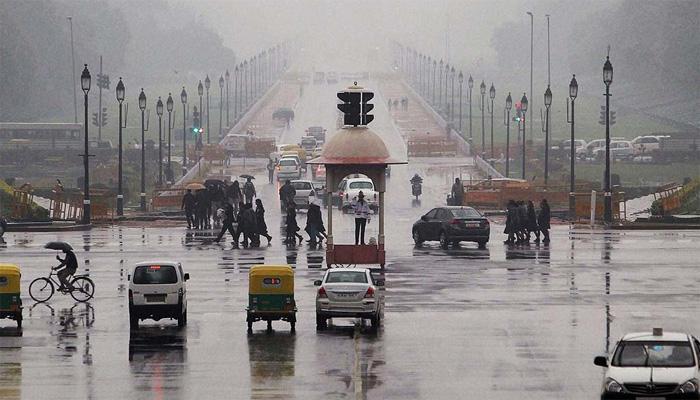 दिल्ली में सुबह रही उमस भरी, शाम को बारिश का अनुमान