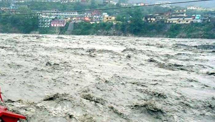 इलाहाबाद में उफान पर गंगा-यमुना, शहर पर मंडराया बाढ़ का खतरा