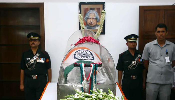 देश भर ने डॉ. कलाम को दी भावभीनी श्रद्धांजलि, रामेश्वरम में गुरुवार को पूरे सैन्य सम्मान के साथ होगा अंतिम संस्कार