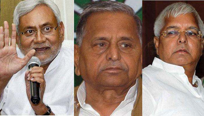 बिहार में लालू-नीतीश के महागठबंधन को बड़ा झटका; मुलायम हुए अलग, समाजवादी पार्टी अकेले लड़ेगी चुनाव